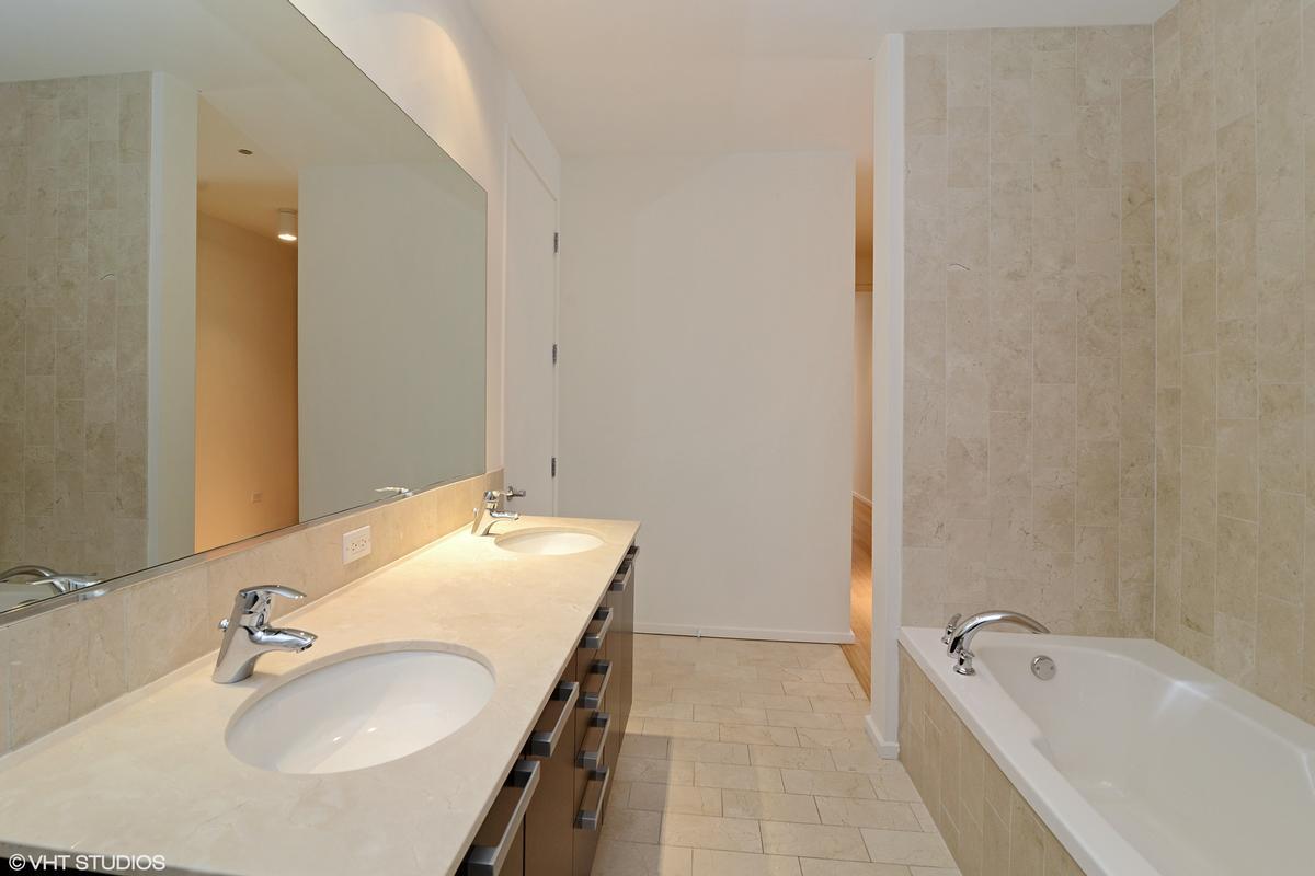 Luxury real estate 550 N Saint Clair Street Unit 2501