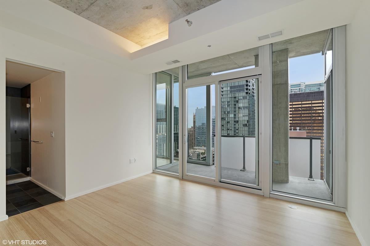 550 N Saint Clair Street Unit 2501 luxury real estate