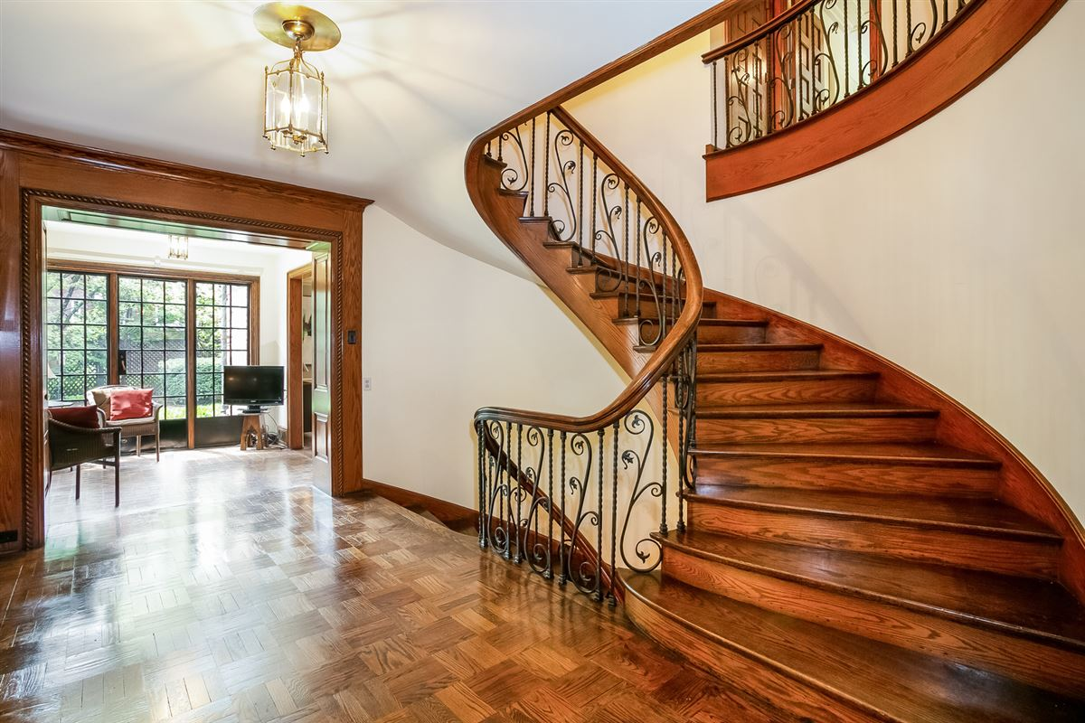 Luxury real estate timeless construction in prime location