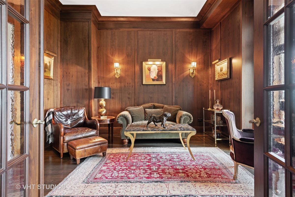 Luxury real estate unique three bedroom home in prestigious building