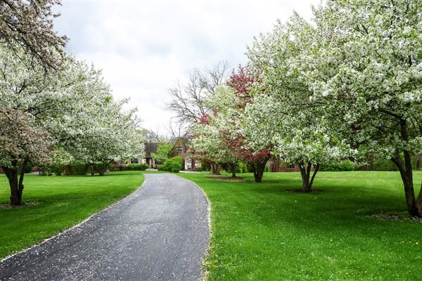 Luxury properties a 26 Acre Barrington Hills Estate