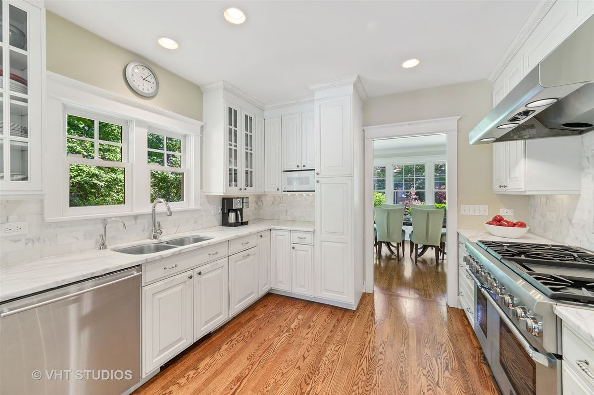 Luxury homes Meticulously renovated home