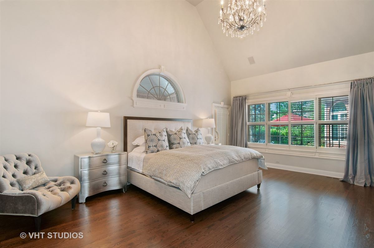Luxury properties Muirfield Estates in Wheaton