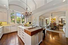 Luxury homes in living in the lap of luxury