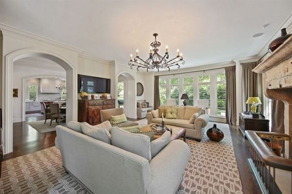 Mansions in living in the lap of luxury