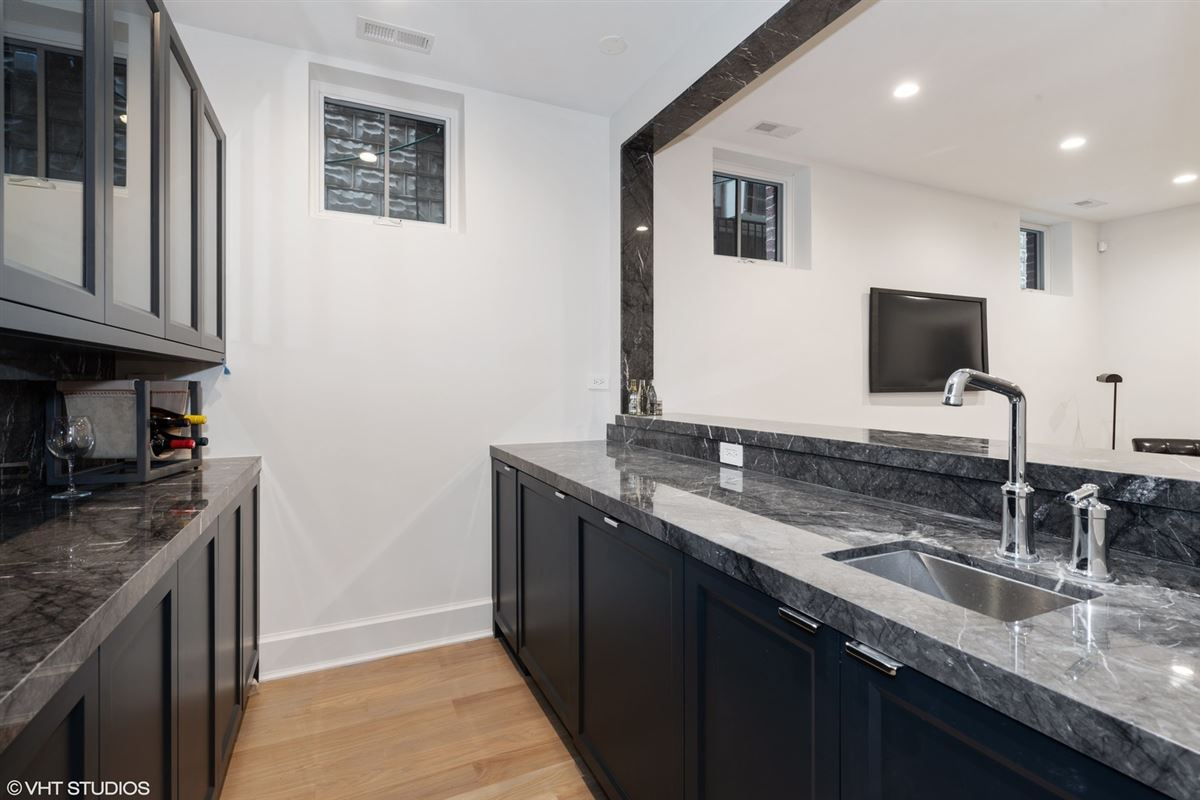 exceptional new construction home in east Lincoln Park luxury properties