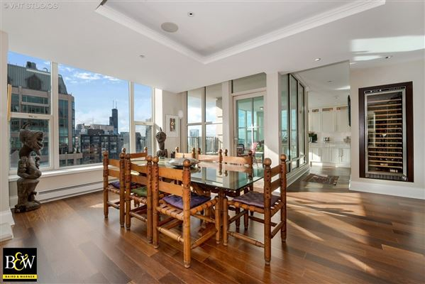 penthouse in the luxurious Fordham mansions