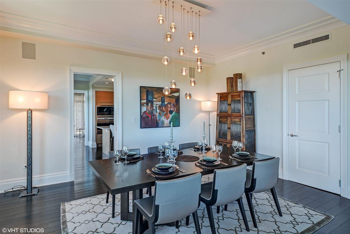 exquisite home at prestigious Lincoln Park 2550 mansions