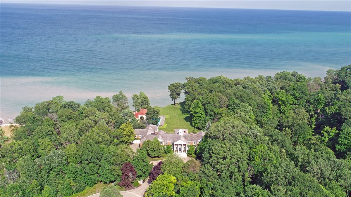 Mansions in Spectacular 2.48 acre lakefront estate