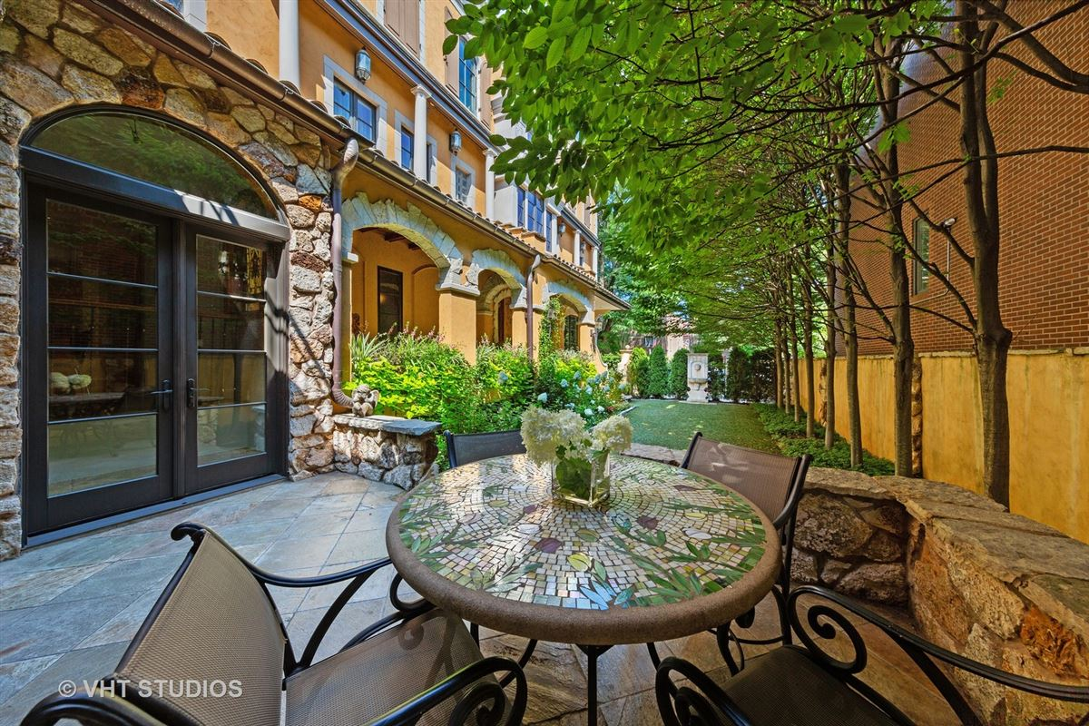 Tuscany in Lincoln Park luxury real estate