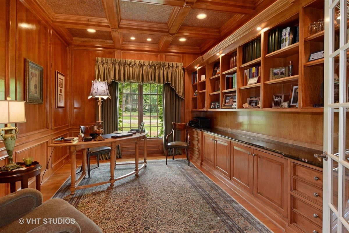 Luxury real estate Gorgeous estate property with an exquisite blend of design