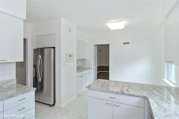 warm and welcoming Art Deco home for rent luxury real estate