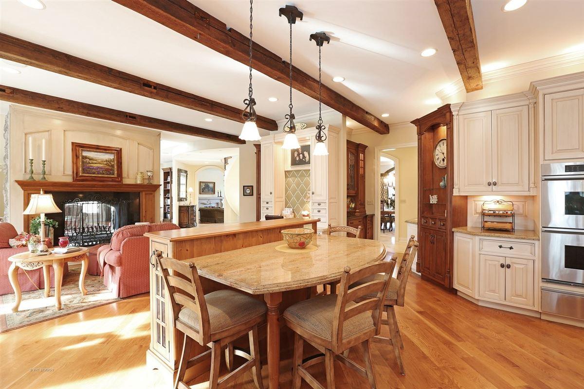 Luxury real estate GORGEOUS ESTATE PROPERTY