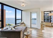 sunny renovated Gold Coast condo luxury properties