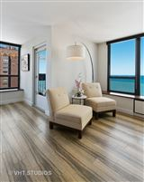 Mansions sunny renovated Gold Coast condo