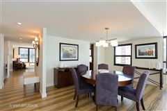 Luxury homes in sunny renovated Gold Coast condo