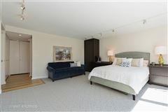 Luxury properties sunny renovated Gold Coast condo