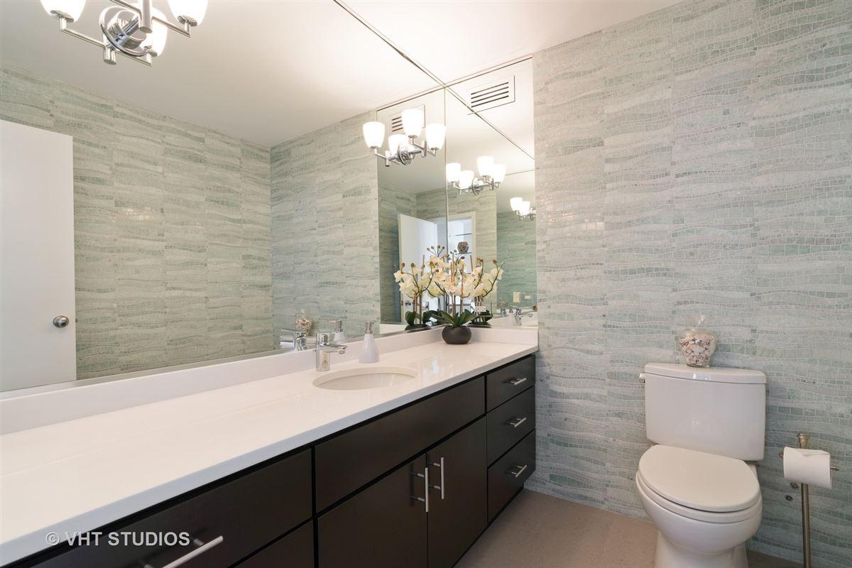 sunny renovated Gold Coast condo mansions