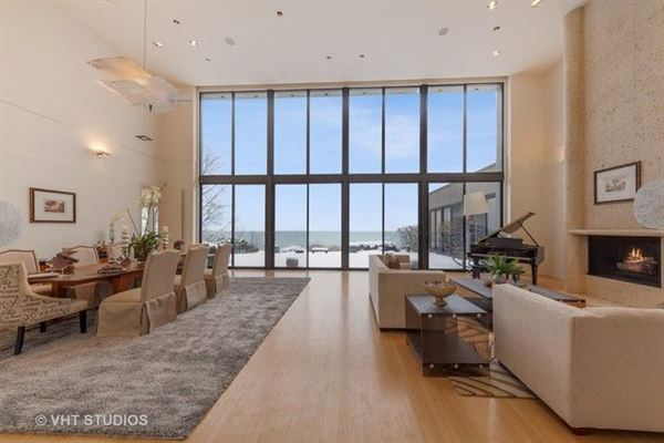 Luxury real estate Truly magnificent lakefront home