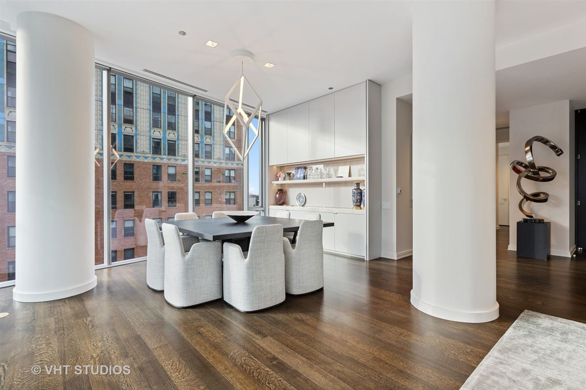 incredible unit at 4 East Elm mansions