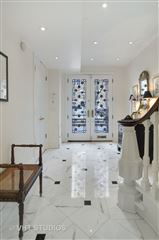 Luxury homes in historic rowhome in the gold coast