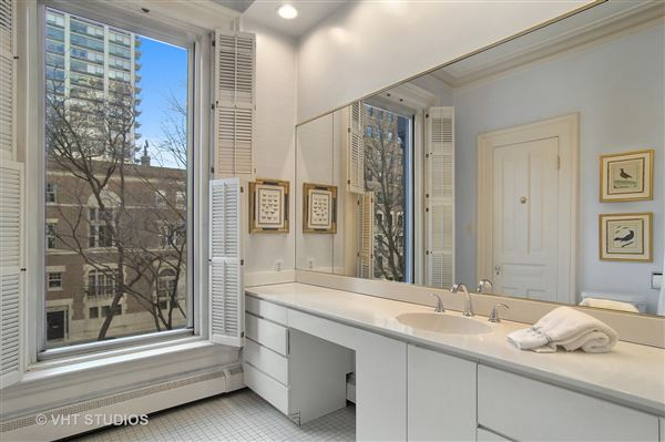 historic rowhome in the gold coast luxury properties