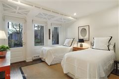 Mansions in historic rowhome in the gold coast