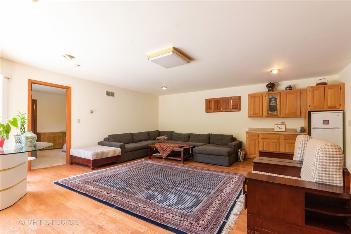 homey five bedroom colonial for rent luxury homes