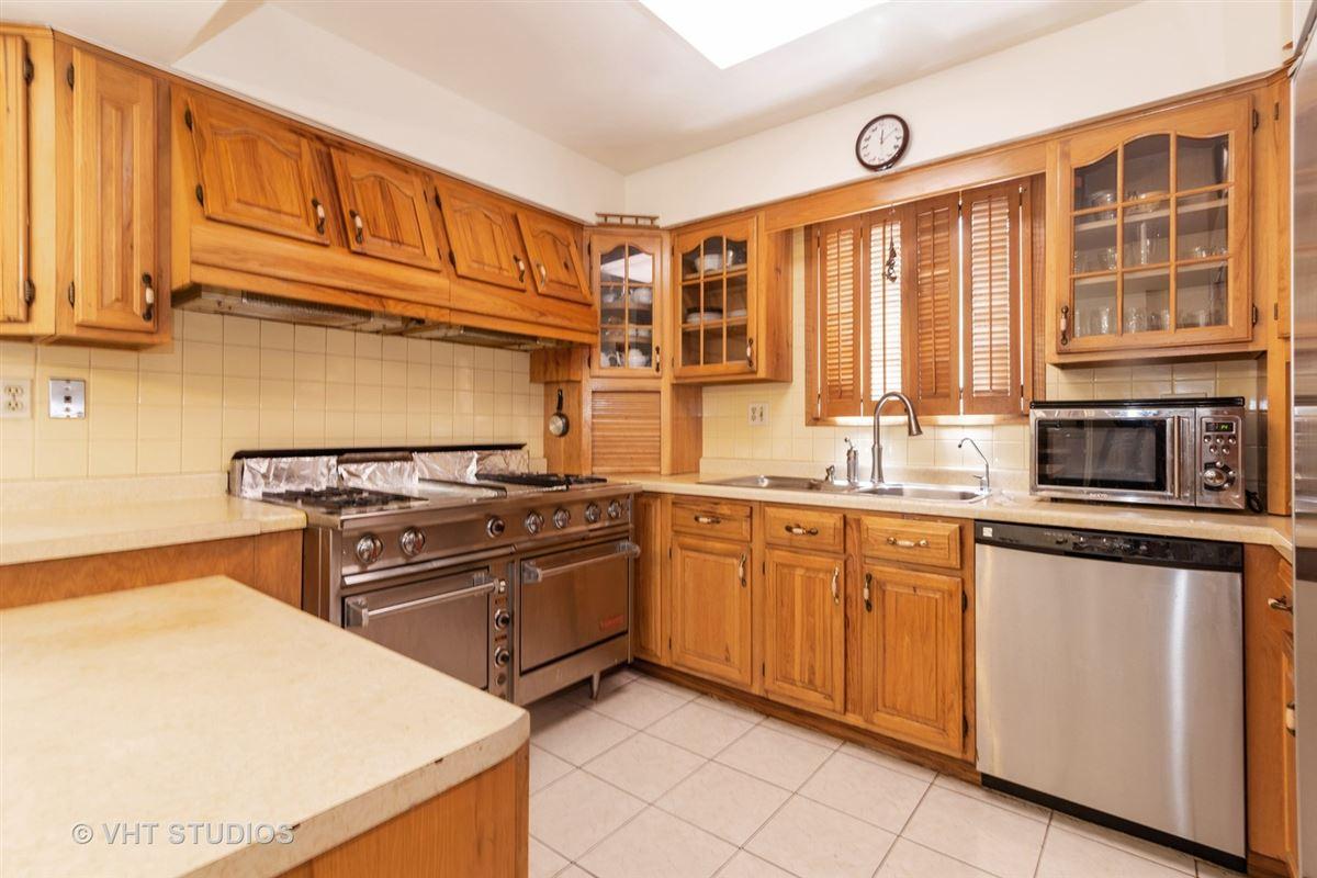 Luxury properties homey five bedroom colonial for rent