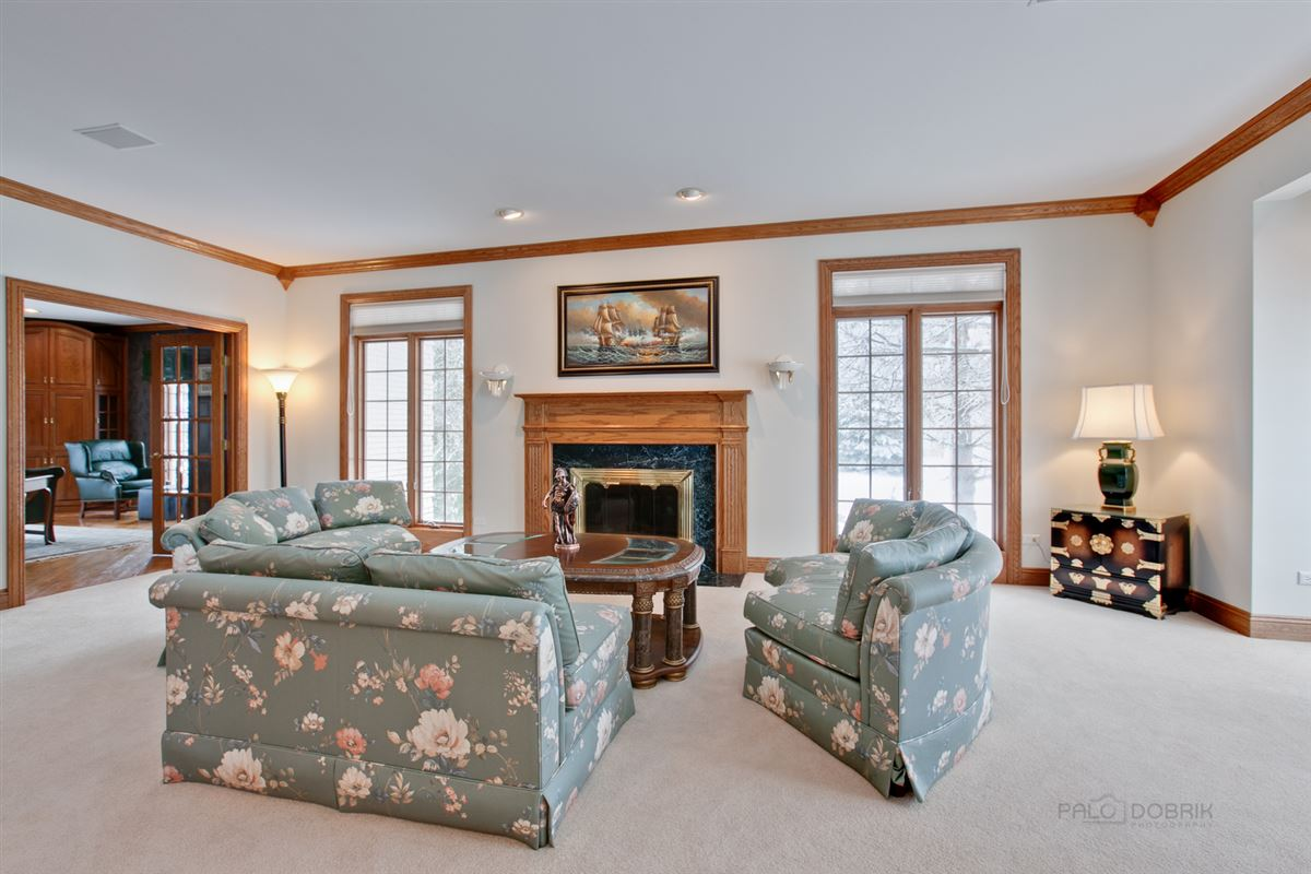 Amazing Lakefront property in South Barrington luxury homes