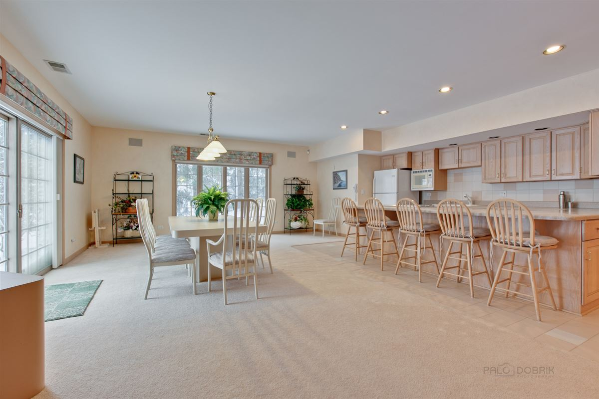Luxury homes Amazing Lakefront property in South Barrington