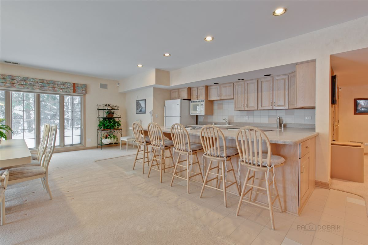 Luxury real estate Amazing Lakefront property in South Barrington