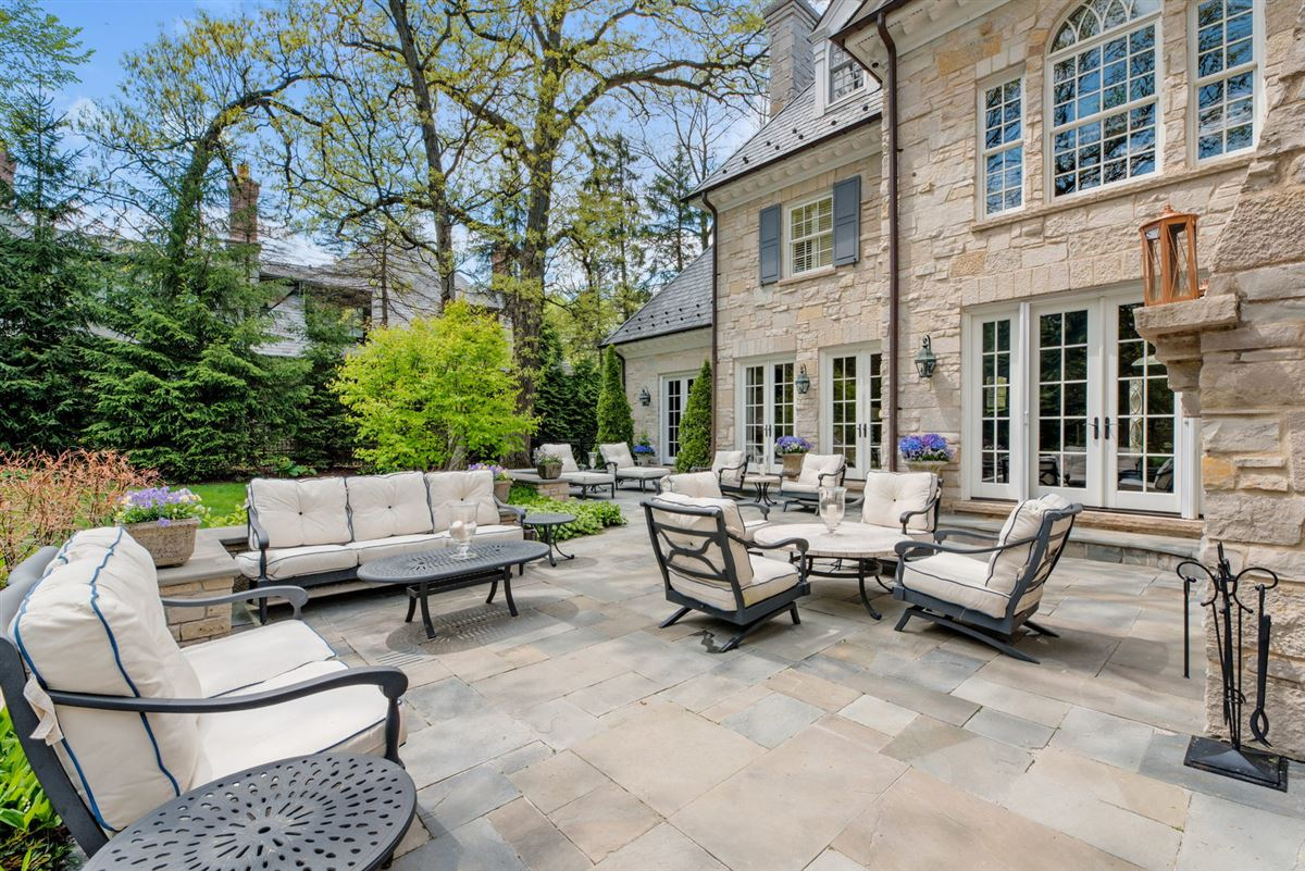Luxury homes in Hinsdales most admired home