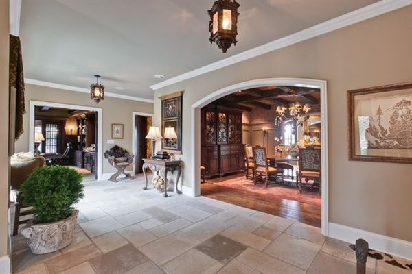 Luxury homes magnificent golf course home