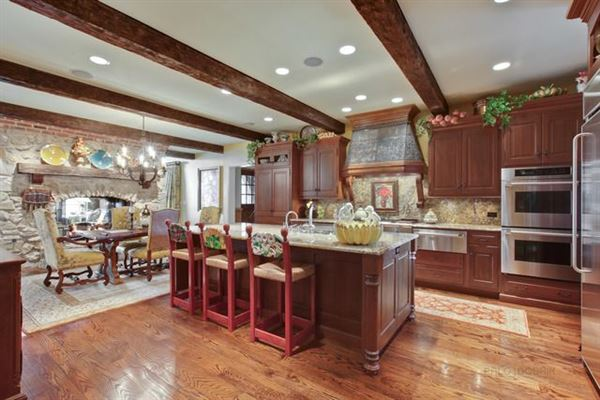 Mansions in magnificent golf course home