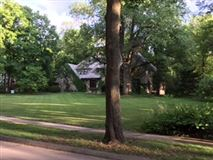 The best buildable lot in Southeast Hinsdale mansions