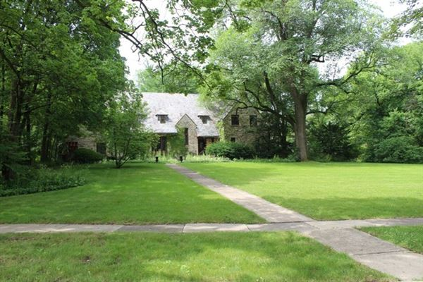 Luxury real estate The best buildable lot in Southeast Hinsdale