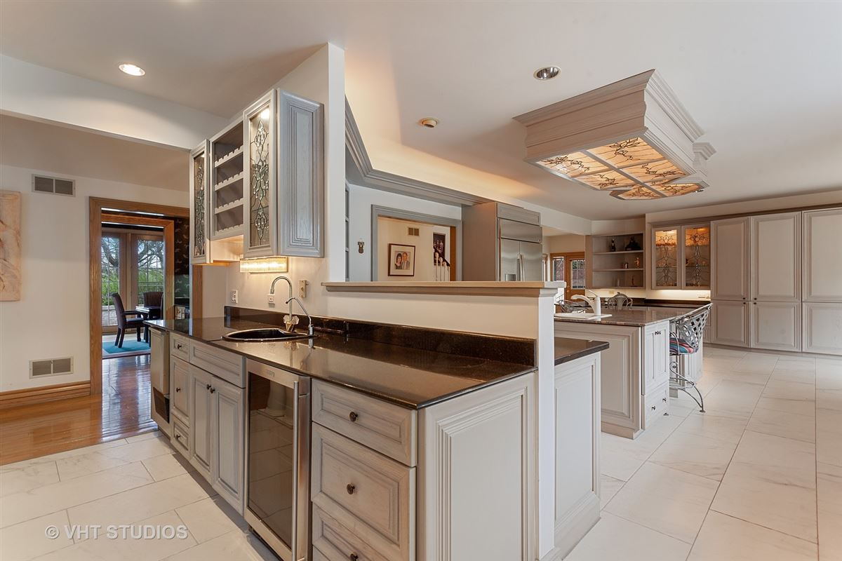 EXPERT CRAFTSMANSHIP  luxury real estate