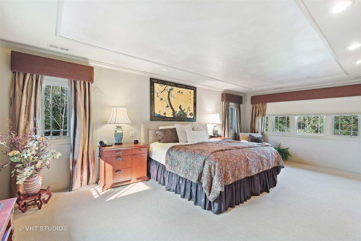 year-round resort living mansions