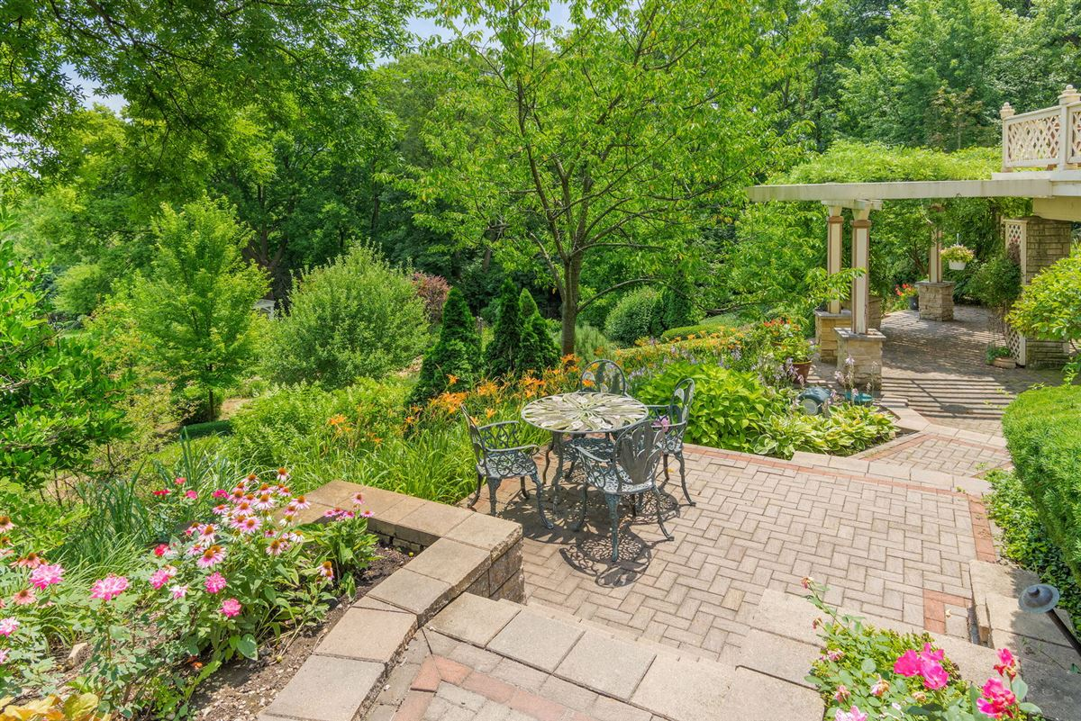Luxury real estate Majestic all stone estate