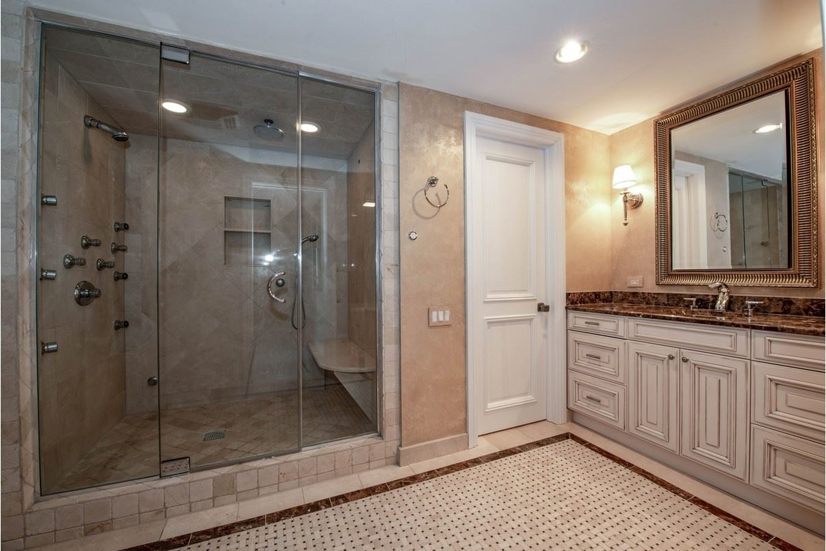 Luxury homes in total renovation in Iconic Water Tower Place