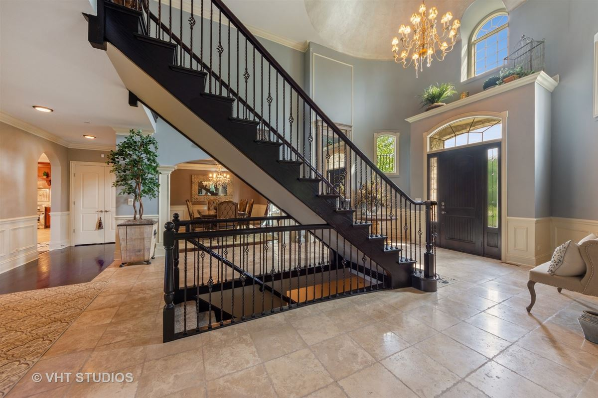 Luxury real estate a Remarkable executive estate
