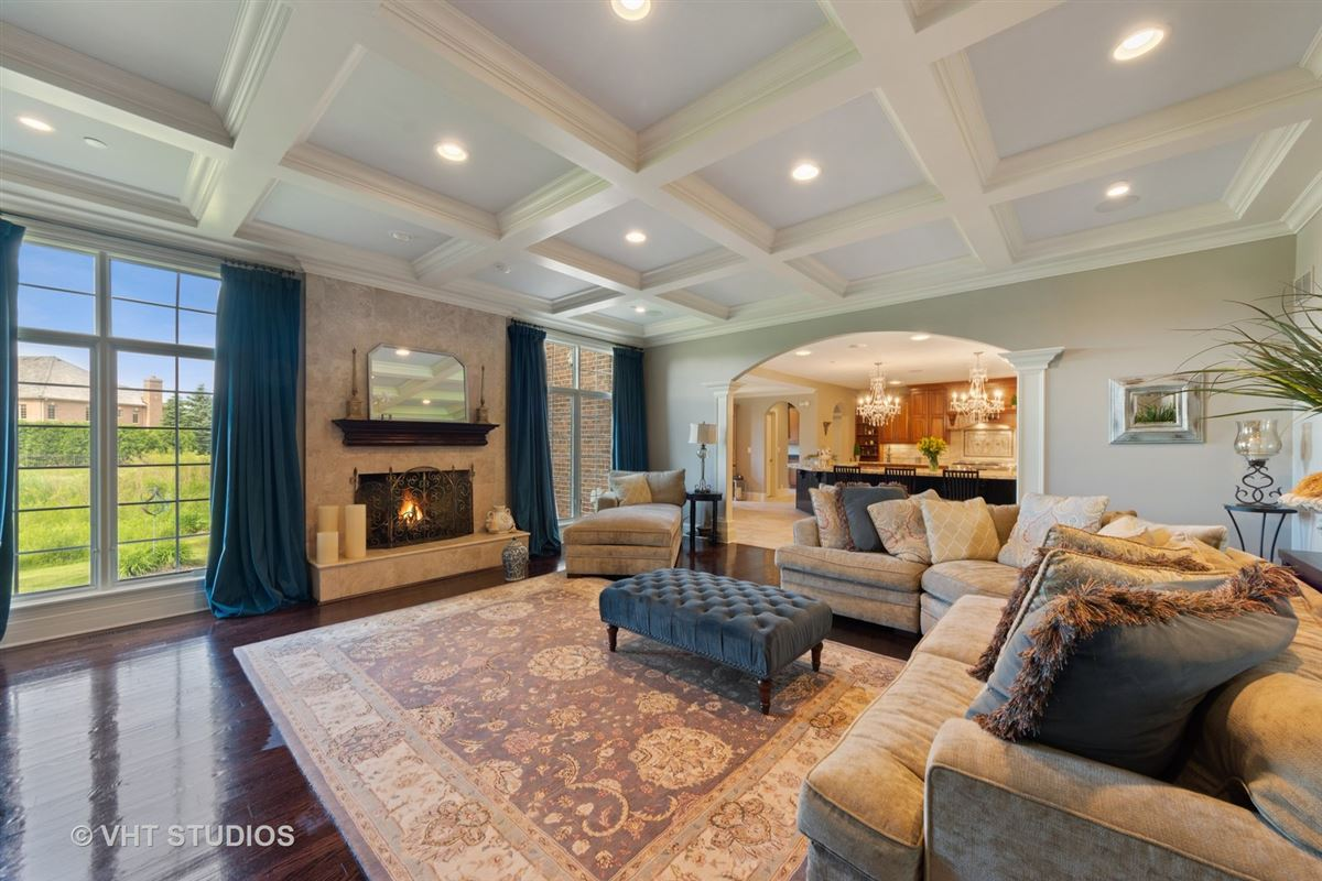 a Remarkable executive estate  luxury properties