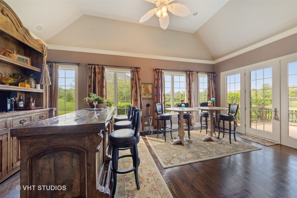 a Remarkable executive estate  luxury homes