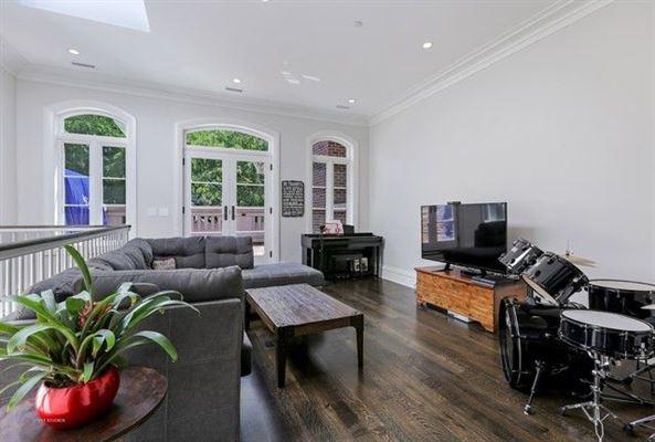 Luxury real estate Stunning single family home on Mohawk Street