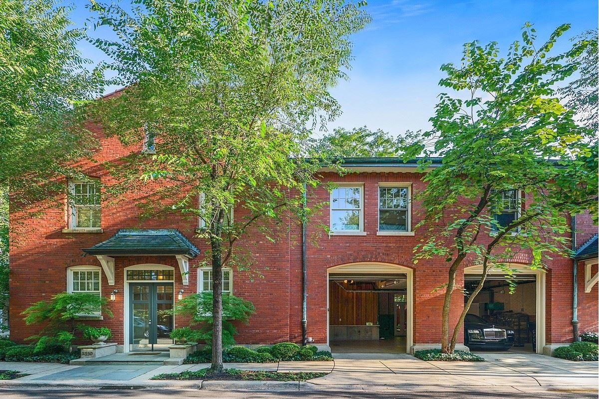 Luxury homes a magnificent vintage rowhome in east lincoln park