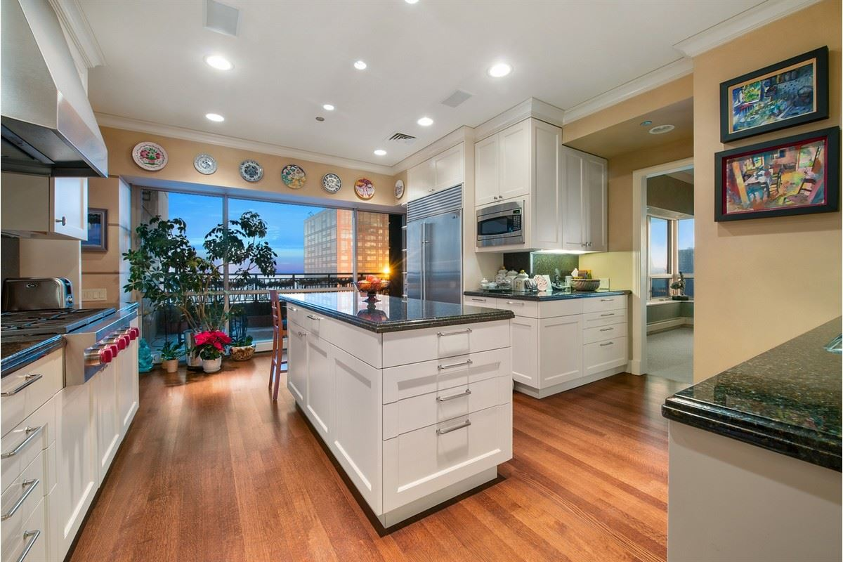 Luxury real estate Tremendous opportunity in chicago