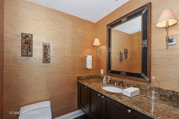 stunning residence in one of chicagos premier full-service buildings luxury properties