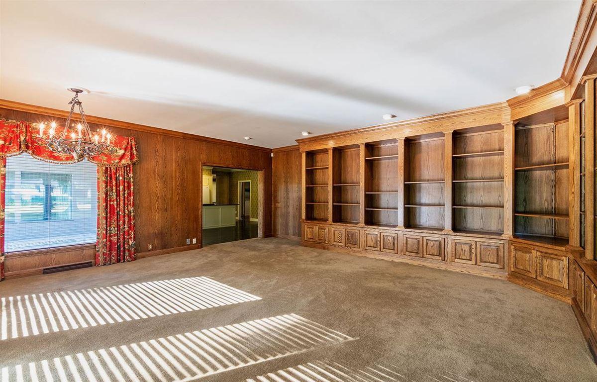 premier property in an estate like setting luxury properties