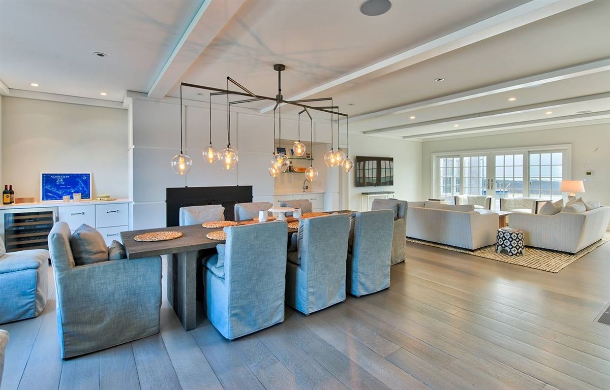Luxury properties spectacular Madequecham waterfront property